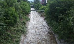 nicht revitalisierter und verbauter Haflingerbach in Sinich (1)